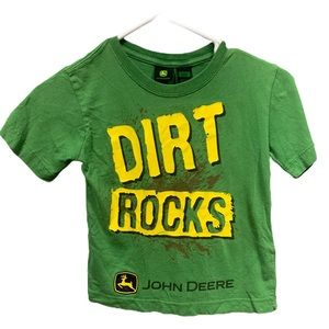 John Deere short sleeve T-shirt kids size 4
